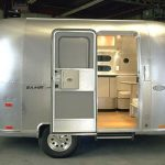Cabins Stay Alive Inside Small Mobile Home Constructions
