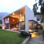 Modern Interplay Indoor Outdoor Living Spaces House Lima