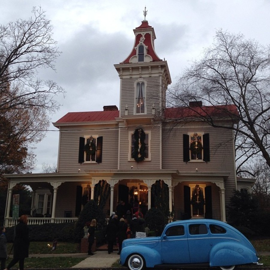 Tour Historic Oakwood Homes Candlelight Raleigh